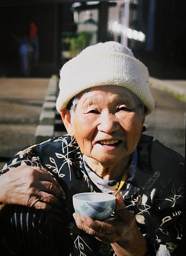 朝市で見つけたかわいいおばあちゃん    杉本ひろ子 様