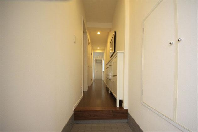 2F Entrance