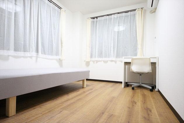 104號室