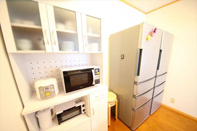 食器棚と電化製品