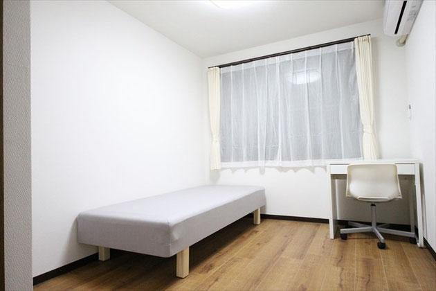 102號室