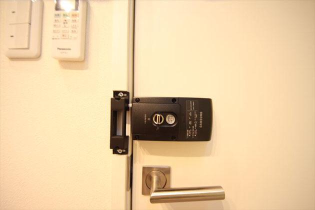 個室電子錠