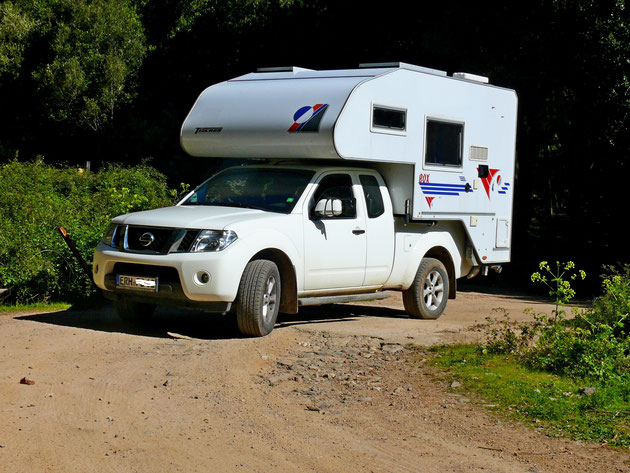 Nissan mit Tischer-Kabine in Sardinien