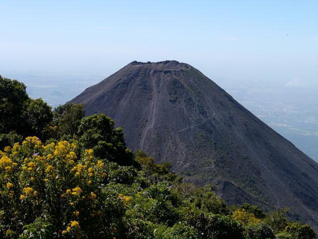 Volcan Izalco, El Salvador (click to zoom)