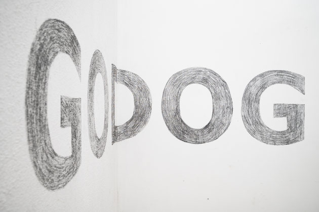 Godog Dogod Walldrawing Installation sculpture ramon graefenstein tanja kodlin CCA  Tbilisi weltkunstzimmer residency interspecial friendship