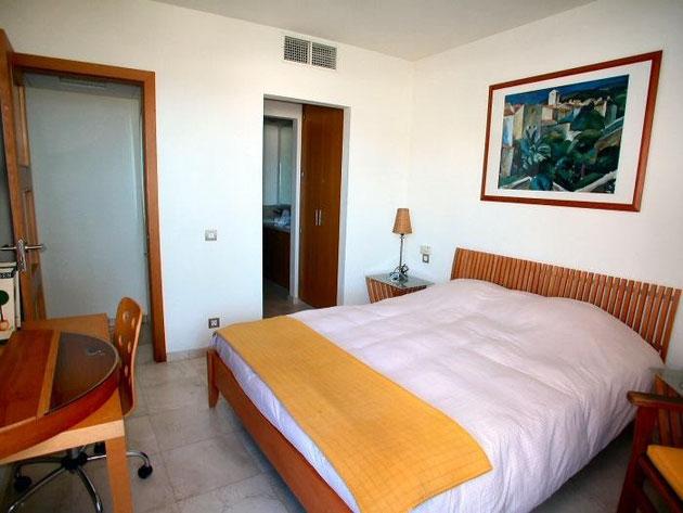 2. Schlafzimmer mit Bad en suite