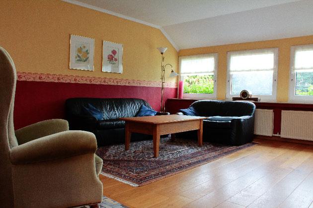 Prima: colori che soffocano lo spazio e mobilio incoerente e pesante