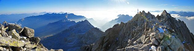 Wahrscheinlich DER Gipfel des Bergells - der Piz Badile.