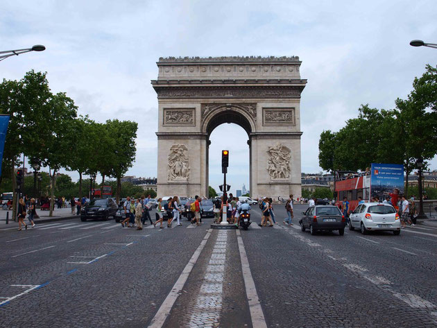 Photo : A.Zois 2010 - view from the Champs-Elysees