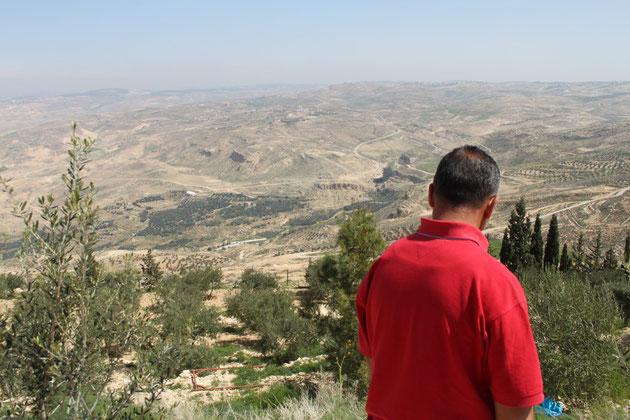 Unser jordanischer Reiseführer Wael von hinten