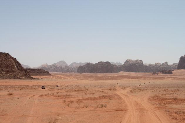 Auf der Wüstenpiste.