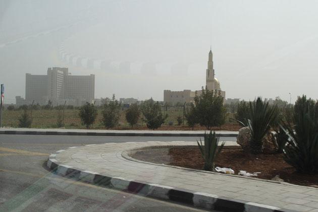 Die Provinzstadt Irbid mit Uni  und Moschee.