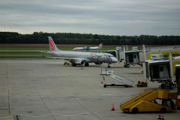 Unsere Maschine auf dem Flughafen Wien-Schwechat.