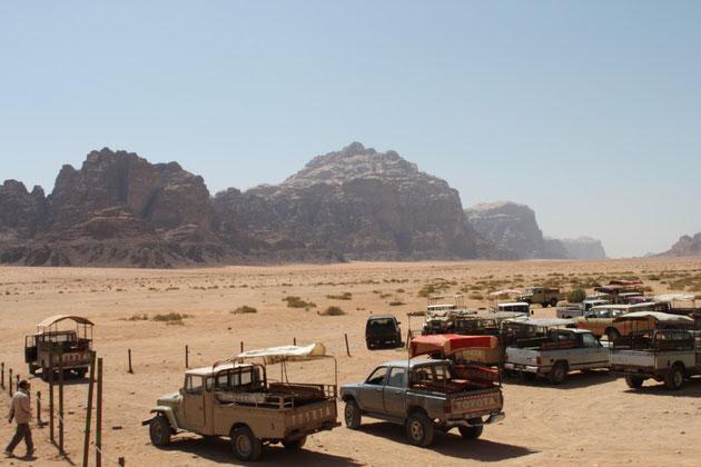 Mit dem Jeep in die Wüste.
