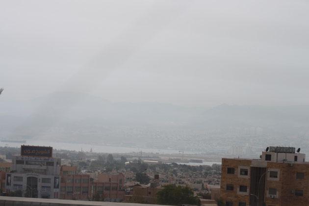 Blick über Aqaba in Richtung Israel.