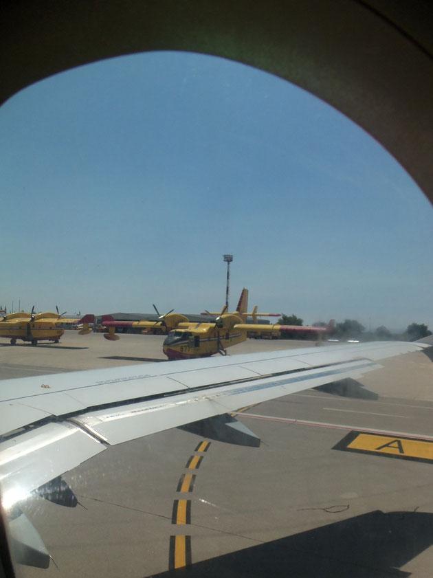 Löschflugzeuge auf dem Flughafen Dubrovnik.