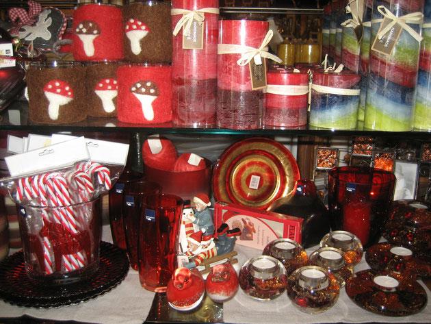 Kerzen und Teelichter, Foto: Pfiffikus