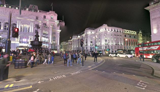 ストリートビューで見たらなんか綺麗にライトアップされていたピカデリーサーカス