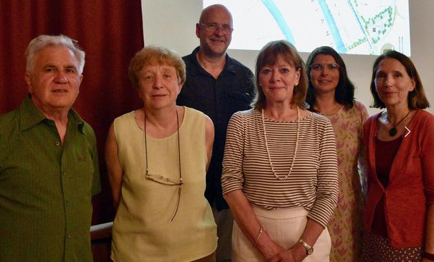 v.l.n.r. Elmar Erhard (Vorsitzender LAMA), Gerda Hartner (Stellvertretende Vorsitzende Bund Naturschutz Volkach), Mario Pierl (Grüne Volkach), Birgit Rottmann-Barth (Vorsitzende LAMA), Andrea Rauch und Doris Geiger (Sprecherinnen Grüne Volkach)