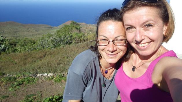 Mit Katja. Blick von Erese über die Landschaft. Wunderbar! @ El Hierro