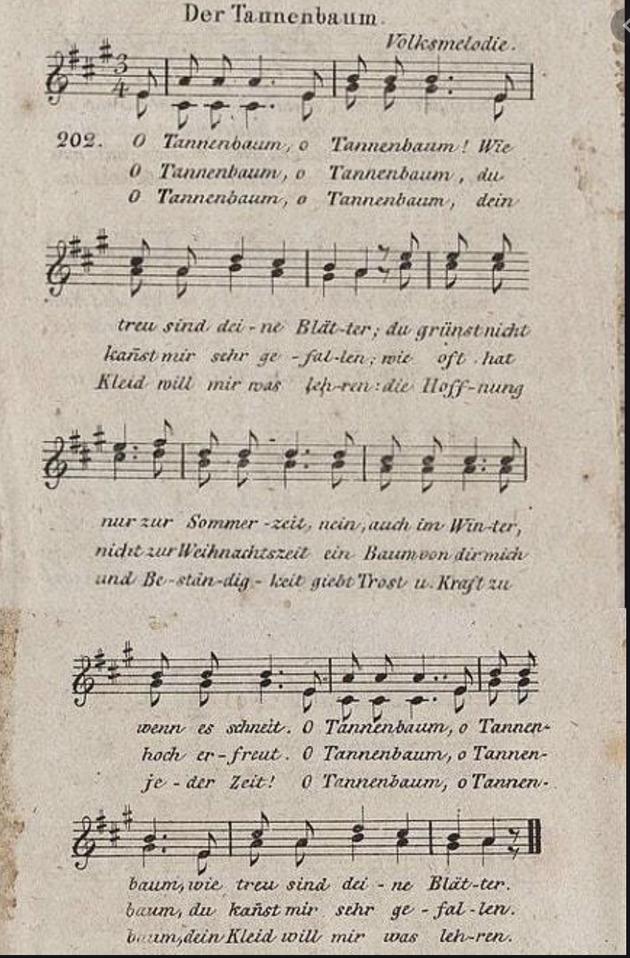 Pas de Noël alsacien sans O Tannenbaum. La version la plus célèbre est basée sur une musique traditionnelle et un texte de 1824 composé en allemand par Ernst Anschütz, organiste et professeur à Leipzig.