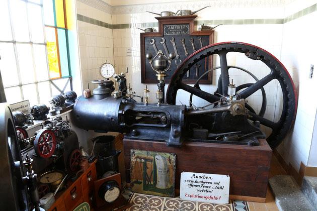 Dampfmaschine Baujahr 1907.