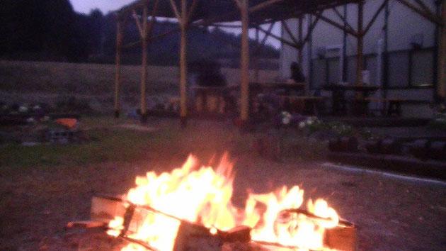 焚火 キャンプファイヤー 香りバンク