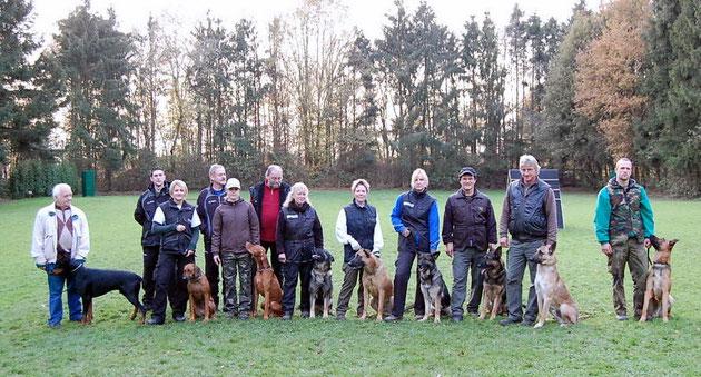 Alle Teilnehmer mit Hunden