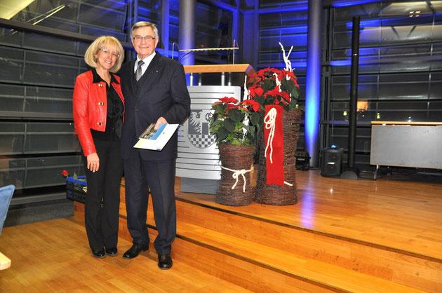 Landrätin Kornelia Wehlan mit dem Vorsitzenden des Deutsch Chinesischen Freundschaftsvereins, Dr. Ulryk Gruschka