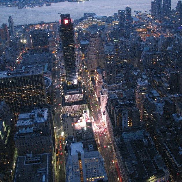 Blick vom Empire State Building in der Dämmerung