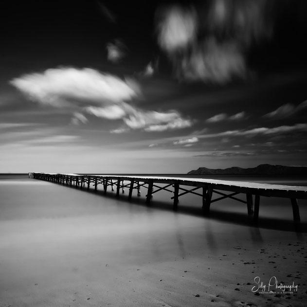 Mallorca / Alcudia / Playa de Muro, Holzsteg, Langzeitbelichtung, 2014, © Silly Photography