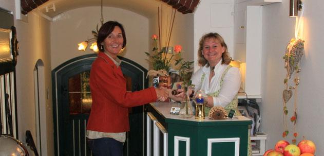 Magret Reiter von Auwirt in Hallein und Renate Pilz