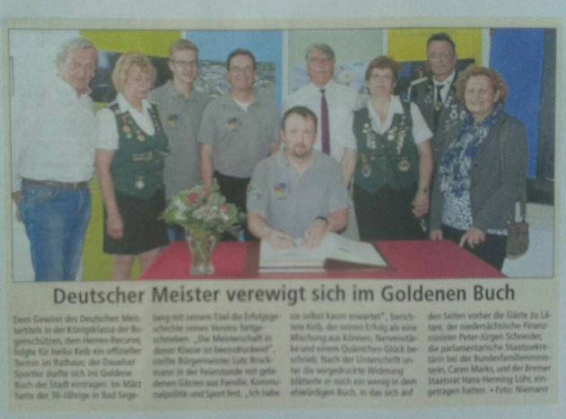 Deutscher Meister verewigt sich im Goldenen Buch