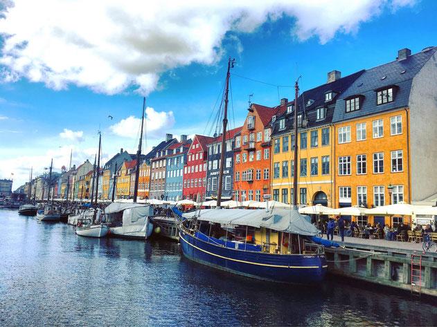 Christianshavn - Copenaghen- Danimarca - porto vecchio - quartiere- barche- locali -case colorate