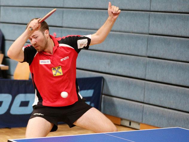 Spieler der Runde ist eindeutig Martin Kinslechner mit seinem zweiten 3:0 in dieser Saison und seinem Einsatz im Doppel. Foto: Österreichische Tischtennis Bundesliga / Franz Krestan