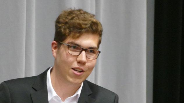 Der SPD-Ortsvorsitzende Tom Lenuweit nannte sie authentisch, sympathisch, ehrlich und bodenständig und hob ihr Engagement für die Bildung hervor.