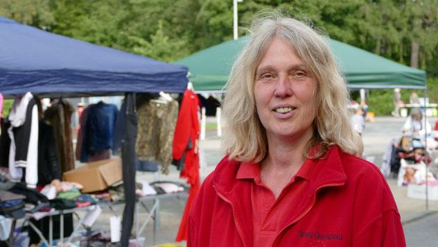 Zufrieden mit dem ersten Eulen-Flohmarkt nach Corona war Chef-Organisatorin Nicole Münster von der Stadt Quickbornt