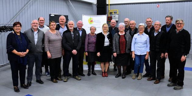Mme Charlot 1ère adjointe au maire de Vitré pour l'action sociale avec les responsables des cars 2019