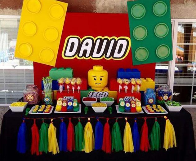 mesa de postres de lego