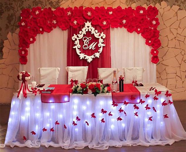 mesa principal xv años color rojo
