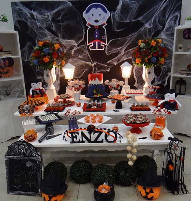 mesa de dulces de halloween