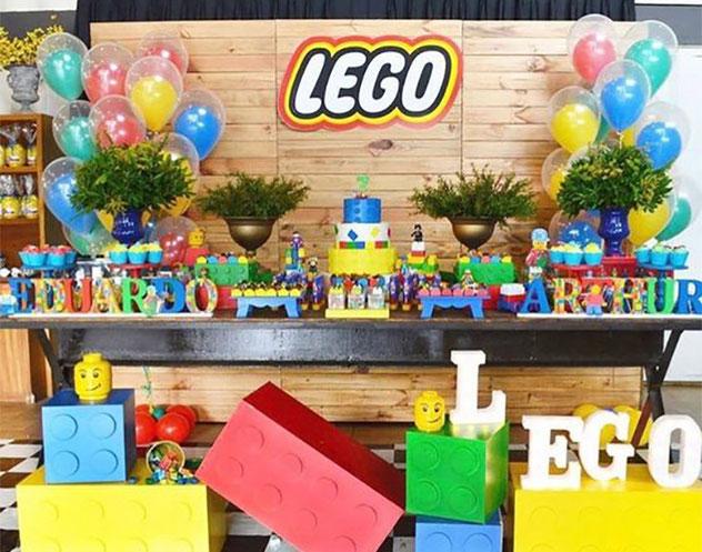 mesa de dulces de lego