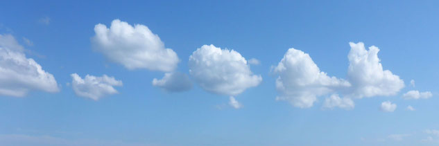 Abendhimmel mit Wolken am Meer; Stress-Bewältigung bei MediTrigon Freiburg