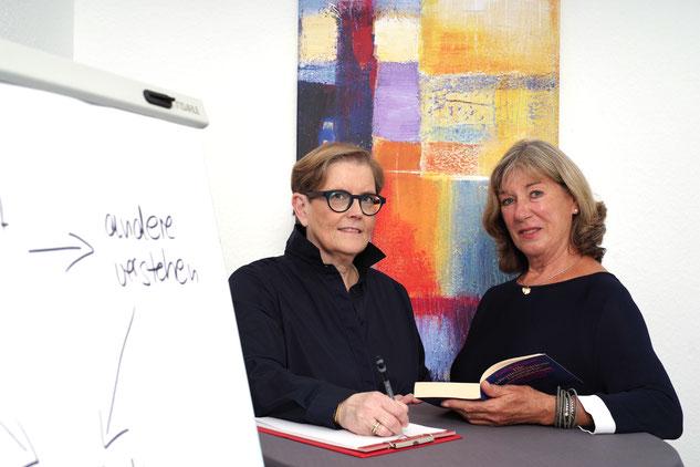 Karola Brunner (links) und ich