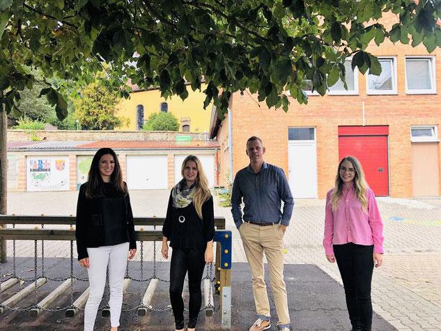 Kollegium von links nach rechts: Frau Schöne, Frau Frohnhöfer, Herr Fleschler, Frau Schäfer