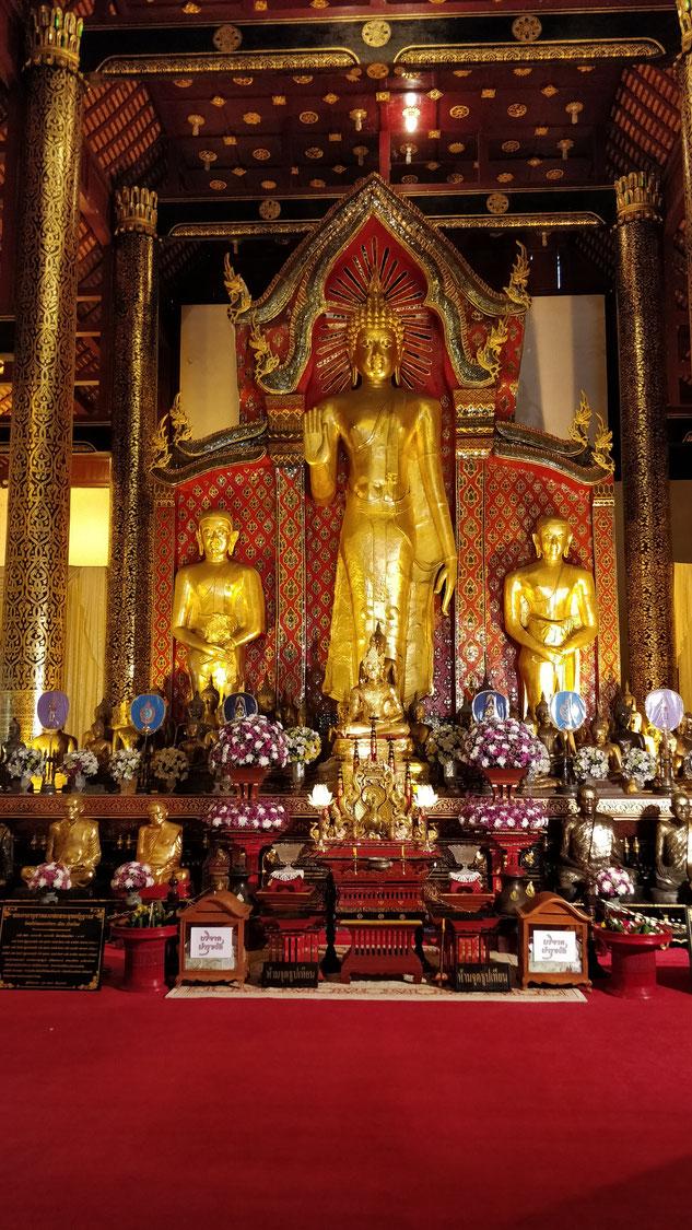 Le Buddha du Wat Chedi Luang, l'un des deux plus importants temples de Chiang Mai