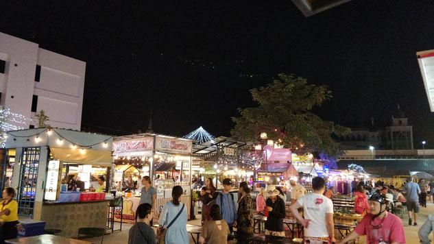 Le food court du night market