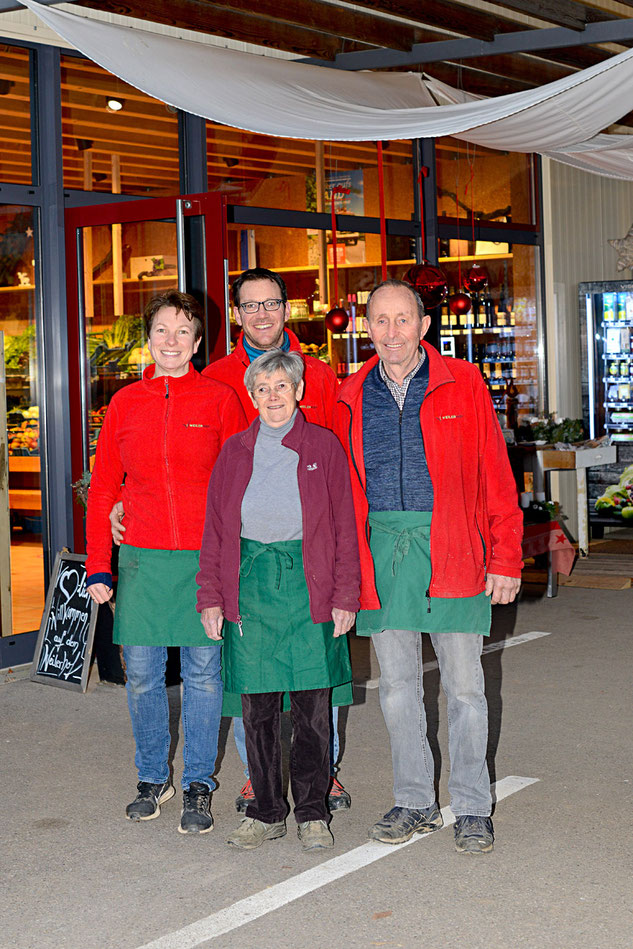 Zwei Generationen Familie Rapp - v.l. Petra, Andreas, Elfriede und Otto Rapp