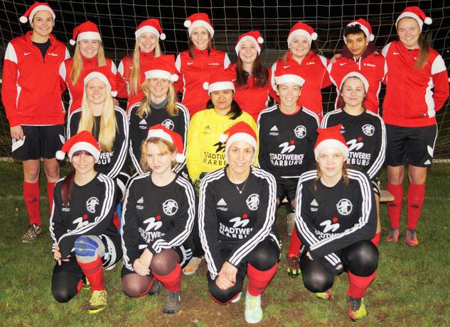 Mit einem Auswärtssieg bei Blau-Gelb-Marburg III und einem Weihnachtsgruß an ihre Fans, Unterstützer(innen) und Sponsoren verabschiedet sich das Team der FSG Ebsdorfergrund in die Winterpause