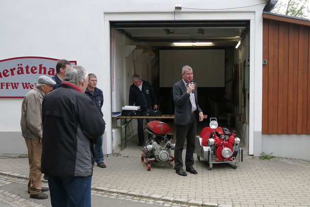 Übergabe der neuen Tragkraftspritze ZL1500 durch Bürgermeister Kai Dittmann